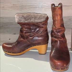 UGG Lynnea Sheep Fur Leather Boots